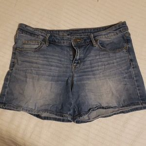 Mossimo mid rise jean shorts